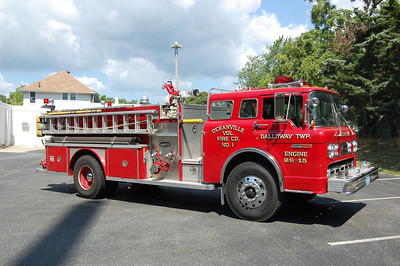 Oceanville Engine 26-15 1983 Ford 8000-EOne 1000-1000 Photo by Chris Tompkins