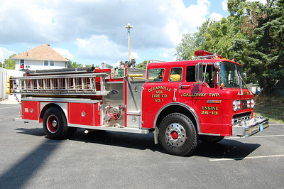 Oceanville Engine 26-13 1987 Ford 8000-EOne 1000-1000 Photo by Chris Tompkins