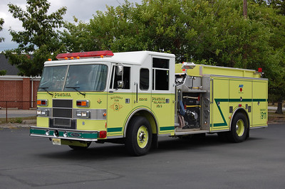 Pomona Fire Co. Station 3 of Galloway Twp. Engine 26-35 1996 Pierce Saber 1250-1000 Photo by Chris Tompkins