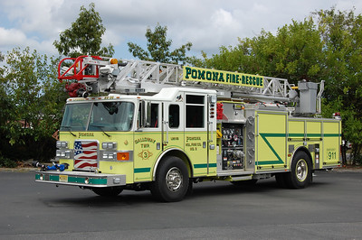 Pomona Fire Co. Station 3 of Galloway Twp. Ladder 26-36, a 2007 Pierce Enforcer 1500 / 500 / 75'.  photo by Chris Tompkins
