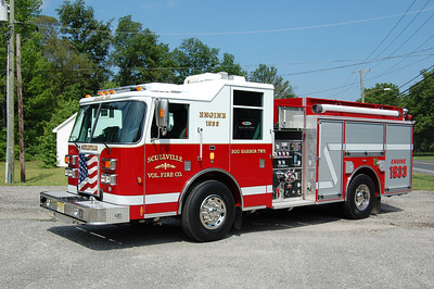 Scullville section of Egg Harbor Twp. Engine 15-33 2009 Pierce Contender 1250-1000. Photo by Chris Tompkins