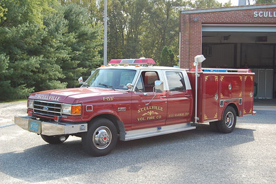 Scullville Fire Co. i Egg Harbor Twp, Utility F-1537, a 1989 Ford F-350 / Pro-Trac.  Photo by Chris Tompkins