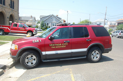 Ventnor City Car 1 2003 Ford Explorer Photo by Chris Tompkins