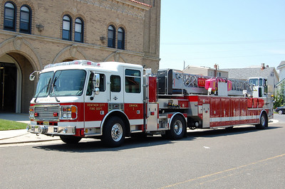 Ventnor City Truck 1, a 2005 American LaFrance 105' tiller. Ex-York, PA.  Photo by Chris Tompkins