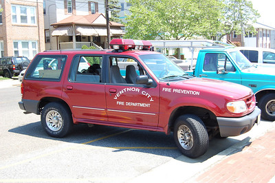 Ventnor City Deputy Chief 1999 Ford Explorer Photo by Chris Tompkins