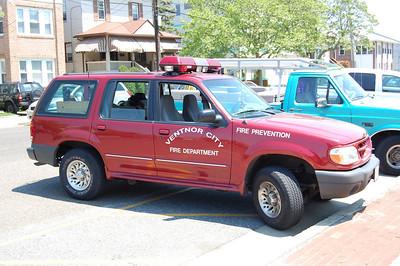 Ventnor City Deputy Chief 1999 Ford Explorer Photo by Chris Tompkins