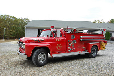 Weymouth Engine 18-42, a 1963 Ford F-700 / Great Eastern 500 / 750.  Photo by Chris Tompkins