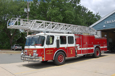 Cresskill Ladder 1 1989 E-One 80' Photo by Chris Tompkins