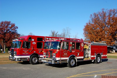 Dumont Rescue 3 and Engine 3  Photo by Chris Tompkins