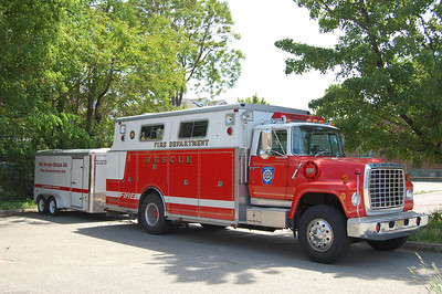 Englewood HazMat. Ex Leonia Rescue. Photo by Chris Tompkins