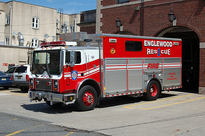 Englewood Rescue 1 1999 Mack Salsbury Photo by Chris Tompkins