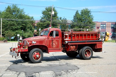 Franklin Lakes Ex 332 1943 Chevrolet 250-100  Photo by Chris Tompkins