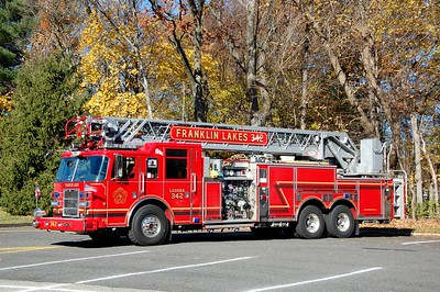 Franklin Lakes Ladder 342 2005 Pierce Dash 1500-500-50-105' Photo by Chris Tompkins