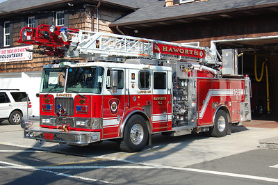 Haworth Quint 169 2004 Seagrave 1500-450-75' Photo by Chris Tompkins