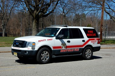 Montvale M11 2010 Ford Explorer Photo by Chris Tompkins