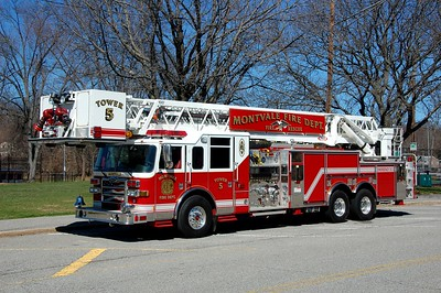 Montvale Tower 5 2006 Pierce Dash 2000-400-100' Photo by Chris Tompkins