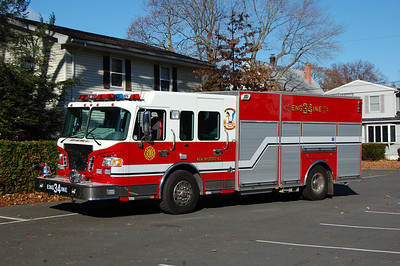 New Milford Engine 34 2009 Spartan Gladiator - Crimson 1500-750 Photo by Chris Tompkins