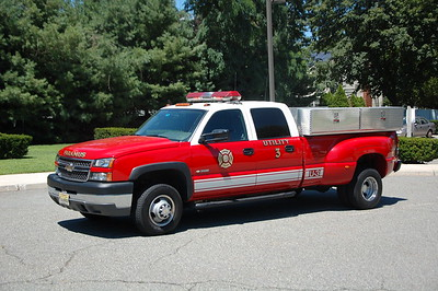 Paramus Utility 3 2004 Chevy 3500  Photo by Chris Tompkins