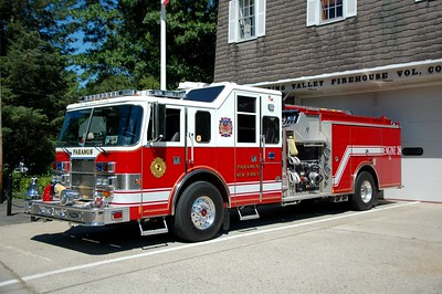 Paramus Engine 2 2002 Pierce Lance 2000-500-50 Photo by Chris Tompkins