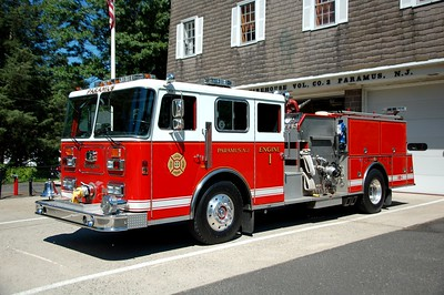 Paramus Engine 22 1991 Seagrave 1750-500 Photo by Chris Tompkins