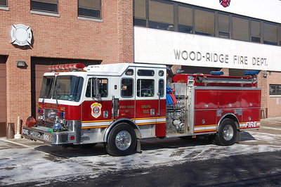 Wood-Ridge Engine 905 1995 KME 2000-600-40  Photo by Chris Tompkins