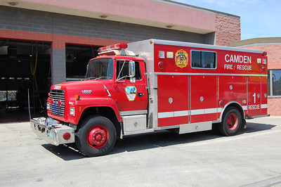 Camden Reserve Rescue 1 1992 Ford L8000-Saulsbury Photo by Chris Tompkins