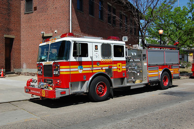 Camden Engine 9 2003 Seagrave 1250-500 Photo by Chris Tompkins