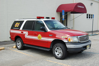 Clementon Command 6100 2000 Ford Expedition Photo by Chris Tompkins