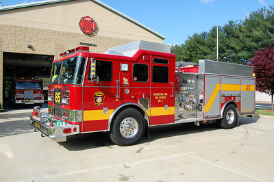 Lambs Terrace Squad 85 2005 Seagrave 2000-750 Photo by Chris Tompkins