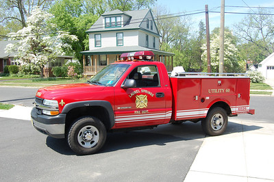 Laurel Springs Utility 60 2002 Chevy 2500-Stahl Photo by Chris Tompkins