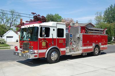 Laurel Springs Squad 60 1999 HME-4Guys 1250-750 Photo by Chris Tompkins