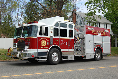 Lindenwold Squad 6312 2004 KME 2000-750 Photo by Chris Tompkins