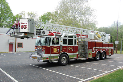 Lindenwold Tower 6324 1999 KME 2000-150-102' Photo by Chris Tompkins