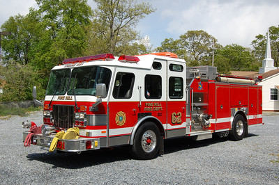 Pine Hill Engine 621 1996 EOne 1500-750-75A Photo by Chris Tompkins