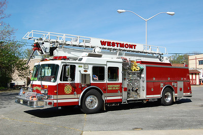 Westmont Squirt 1511 1999 KME 1500-500-75' Photo by Chris Tompkins