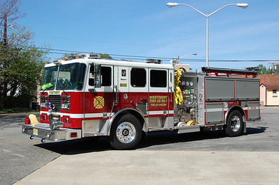 Westmont Engine 1512 2006 Seagrave Marauder 1500-500 Photo by Chris Tompkins