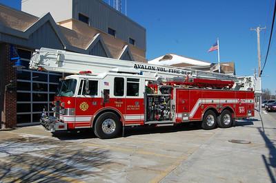 Avalon Truck 1163  1998 Pierce Dash 85' Snorkle 1250-250 Photo by Chris Tompkins