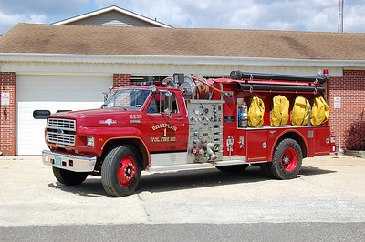 Belleplain Engine 2230 1985 Ford 800 - Grumman 1000-1000 Photo by Chris Tompkins