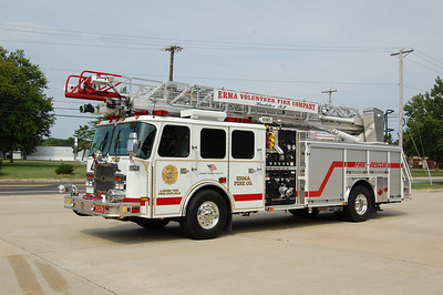 Erma Ladder 6253 2007 E-One Cyclone II 75' 1500-500 Photo by Chris Tompkins