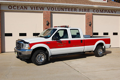 Ocean View Utility 1712 2002 Ford F250 Photo by Chris Tompkins