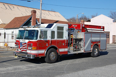 Ocean View Engine 1732 2005 Pierce Enforcer 1500-1500 Photo by Chris Tompkins