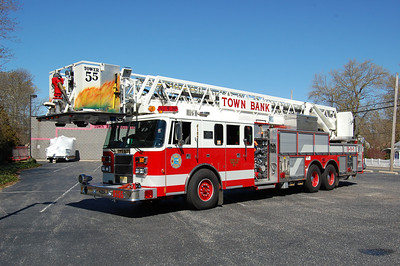 Town Bank Tower 6155 1994 Pierce Saber 1250-200-100' Photo by Chris Tompkins