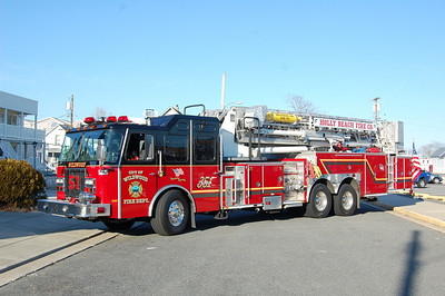 Wildwood Tower 351 2002 EOne 95' 2000-300 Photo by Chris Tompkins
