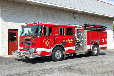 Bridgeton Engine 701 2004 Seagrave 2000-750 Photo by Chris Tompkins
