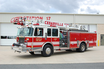 Cedarville Ladder 17 1996 Spartan - Smeal 1500-700-55' Photo by Chris Tompkins