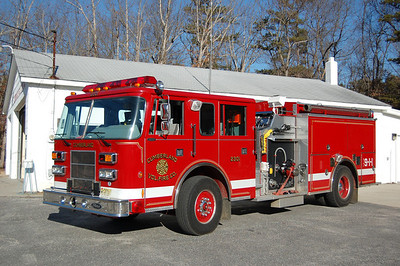 Cumberland FD of Maurice River Township, Engine 2301 1995 Pierce Saber 1000-1200 Photo by Chris Tompkins