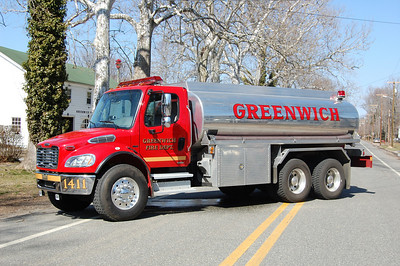 Greenwich Tanker 1411 2006 Freightliner M2-1988 Allied 250-3500 Photo by Chris Tompkins