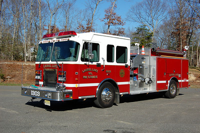 Laurel Lake of Commercial Township Engine 13-03 2000 Spartan - Quality 1250-1000 Photo by Chris Tompkins