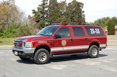 Leesburg Command 26-50 2006 Ford Excursion Photo by Chris Tompkins