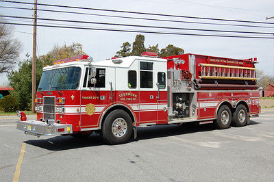 Leesburg Tanker 26-11 1994 Pierce Lance 1500-3000 Photo by Chris Tompkins